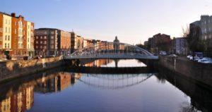 Flüge nach Dublin: Ins Herz der Grünen Insel